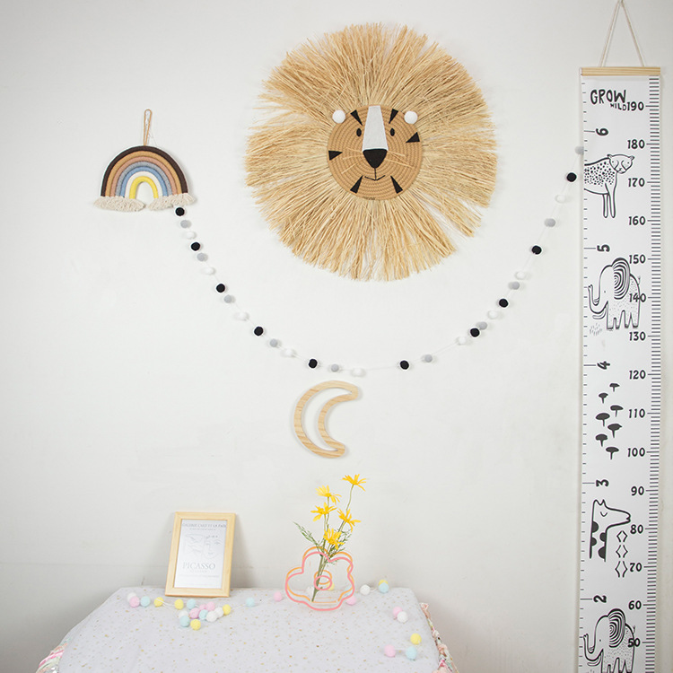 Native Material Crafted Lion Head for Decorating Kid's Room