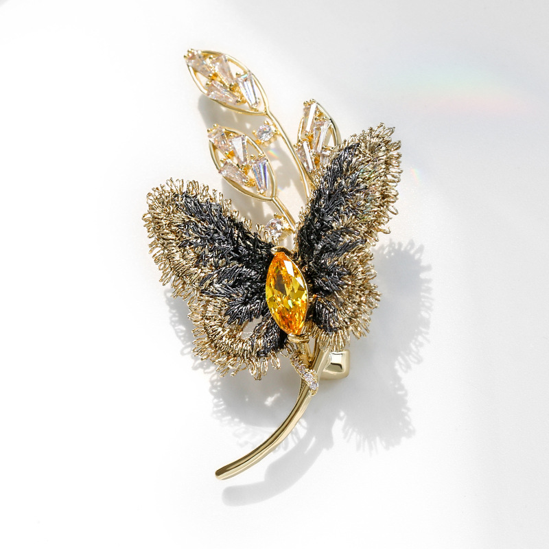 Golden Butterfly and Fern Brooch for Fashionable Outfits