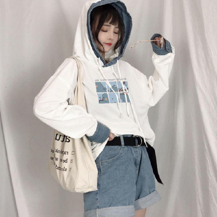 Loose Graphic Printed Hoodie with Denim Cuffs for Lazy Winter Wear