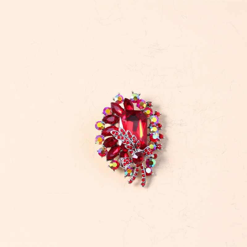 Tedious Faux Crystal Trinket Pin for Exaggerated Outerwear