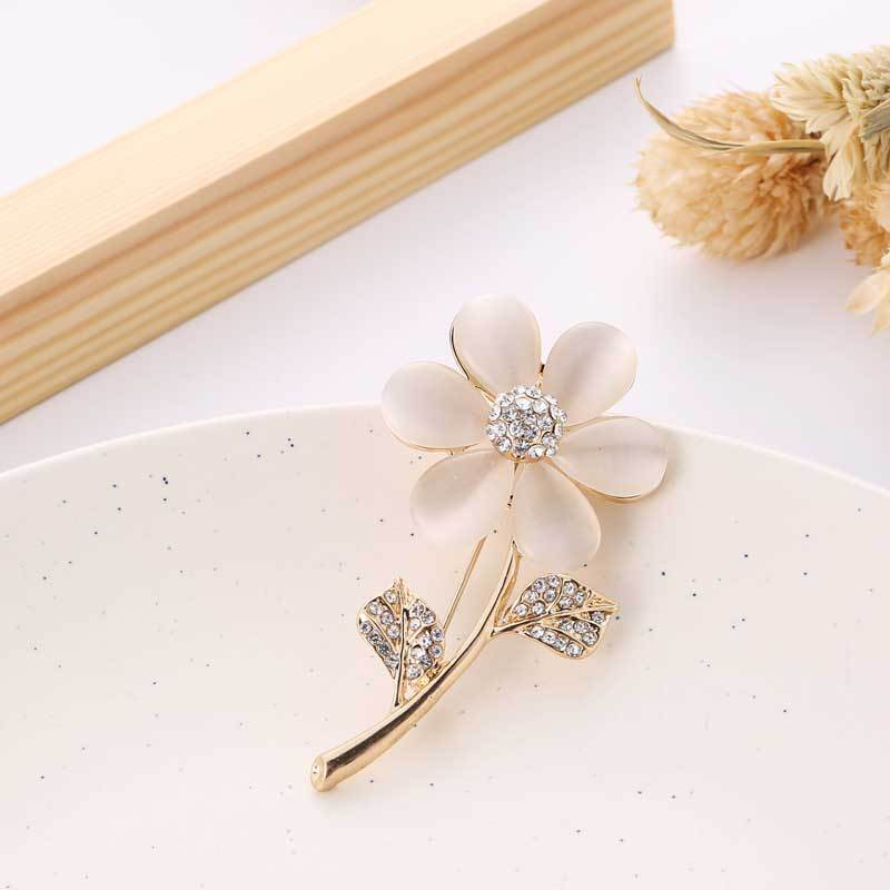 Pastel Pink Single Stem Flower Pin for Floral Parties