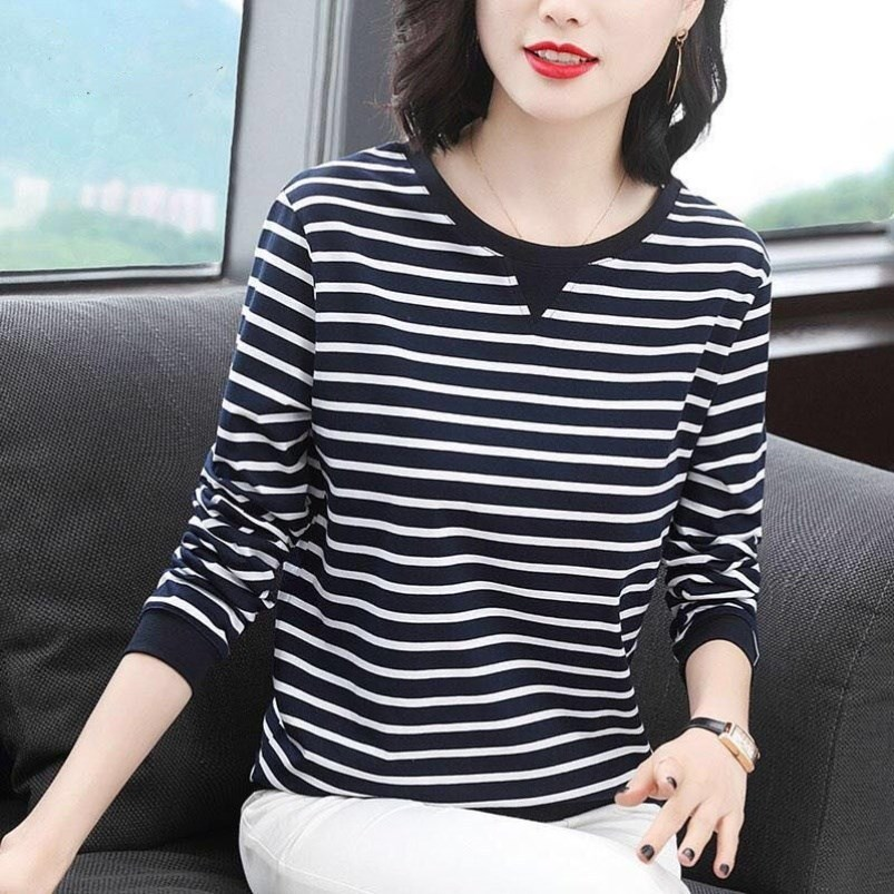 Slimming Striped Long Sleeve Top for Coffee Dates