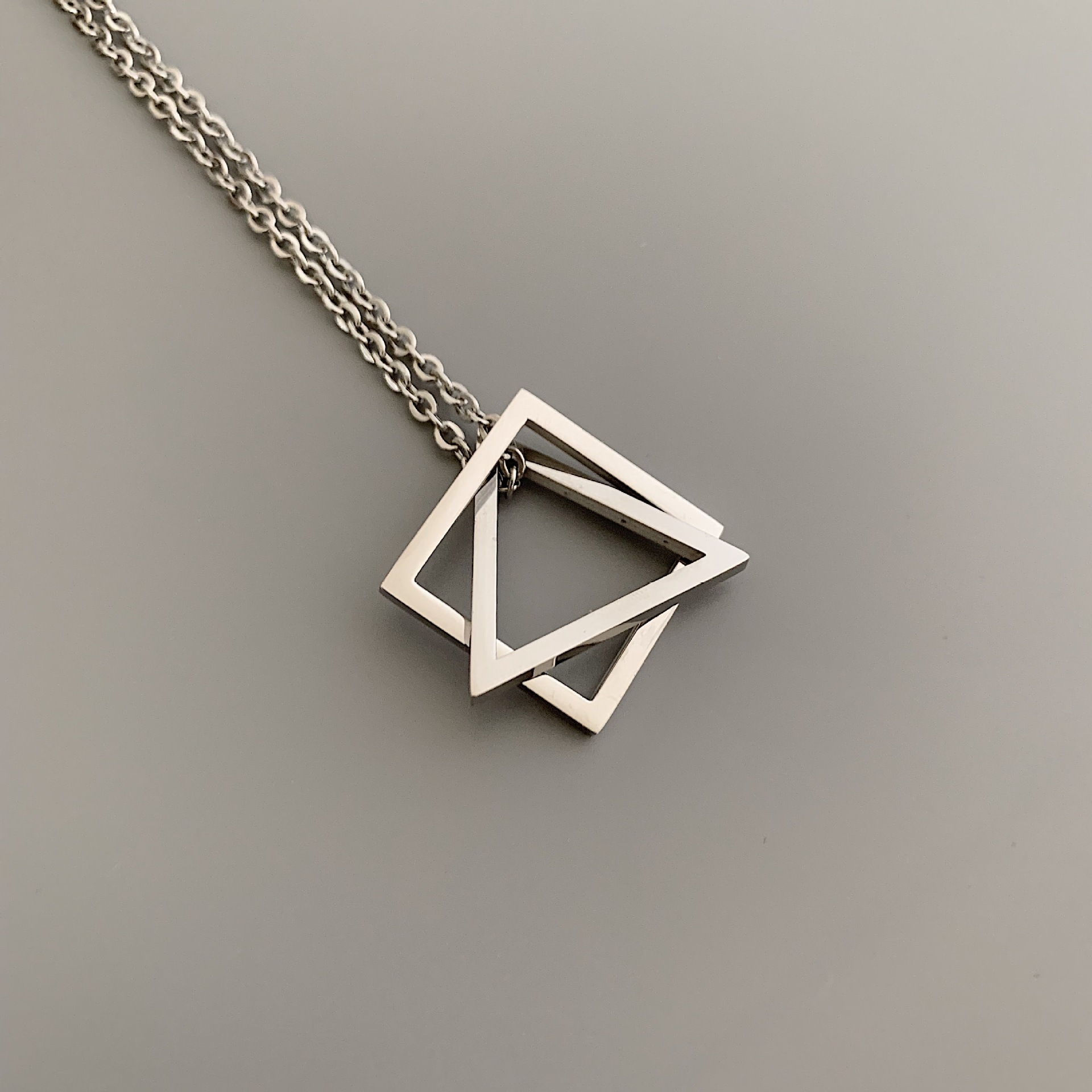 Stylish Titanium Steel Chained Geometric Pendant Necklace for Men and Women's Streetwear Fashion