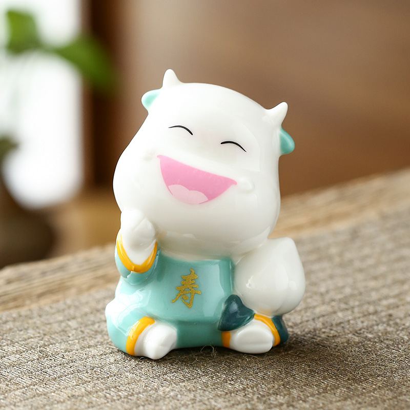 Happy Smiling Cow Figurine for Kitchen Ornament