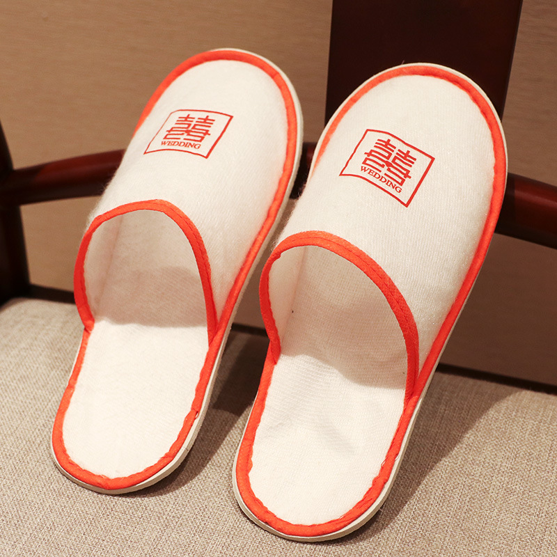 Lightweight Indoor Brushed Plush Fabric and Ethylene Vinyl Acetate Foam Sole Slippers for Staying at Home