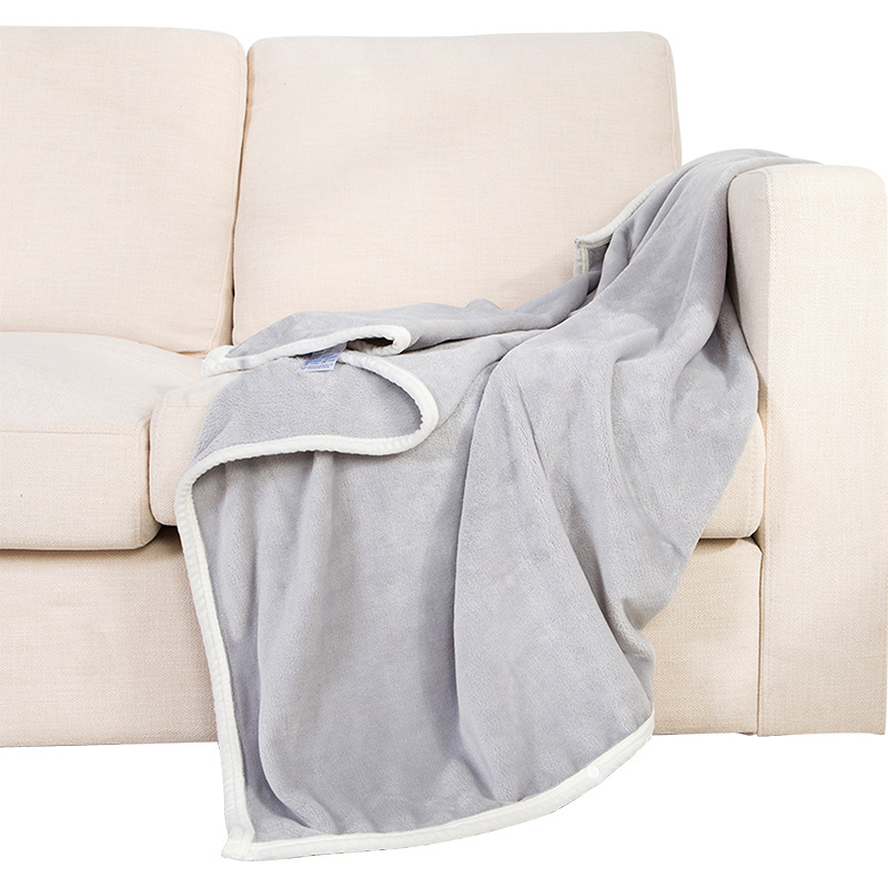 Wearable Polyester Fabric Blankets for Convenient Use