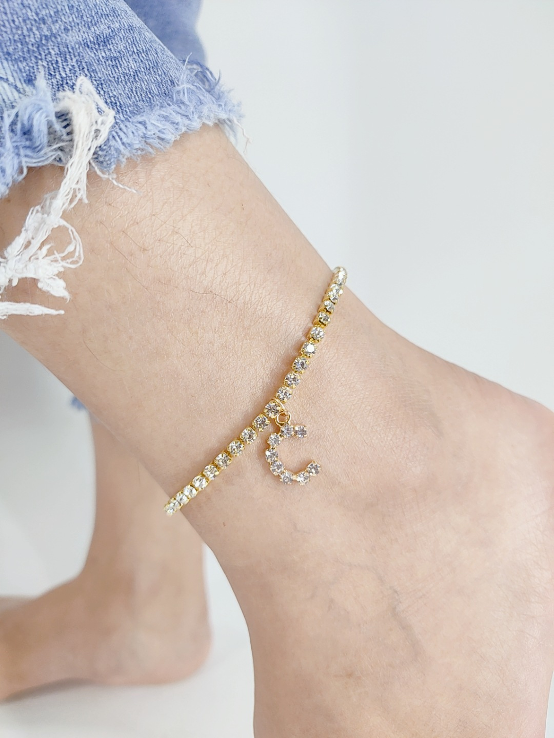 Dazzling Faux Rhinestone Letter Anklet for Elegant Foot Accessories