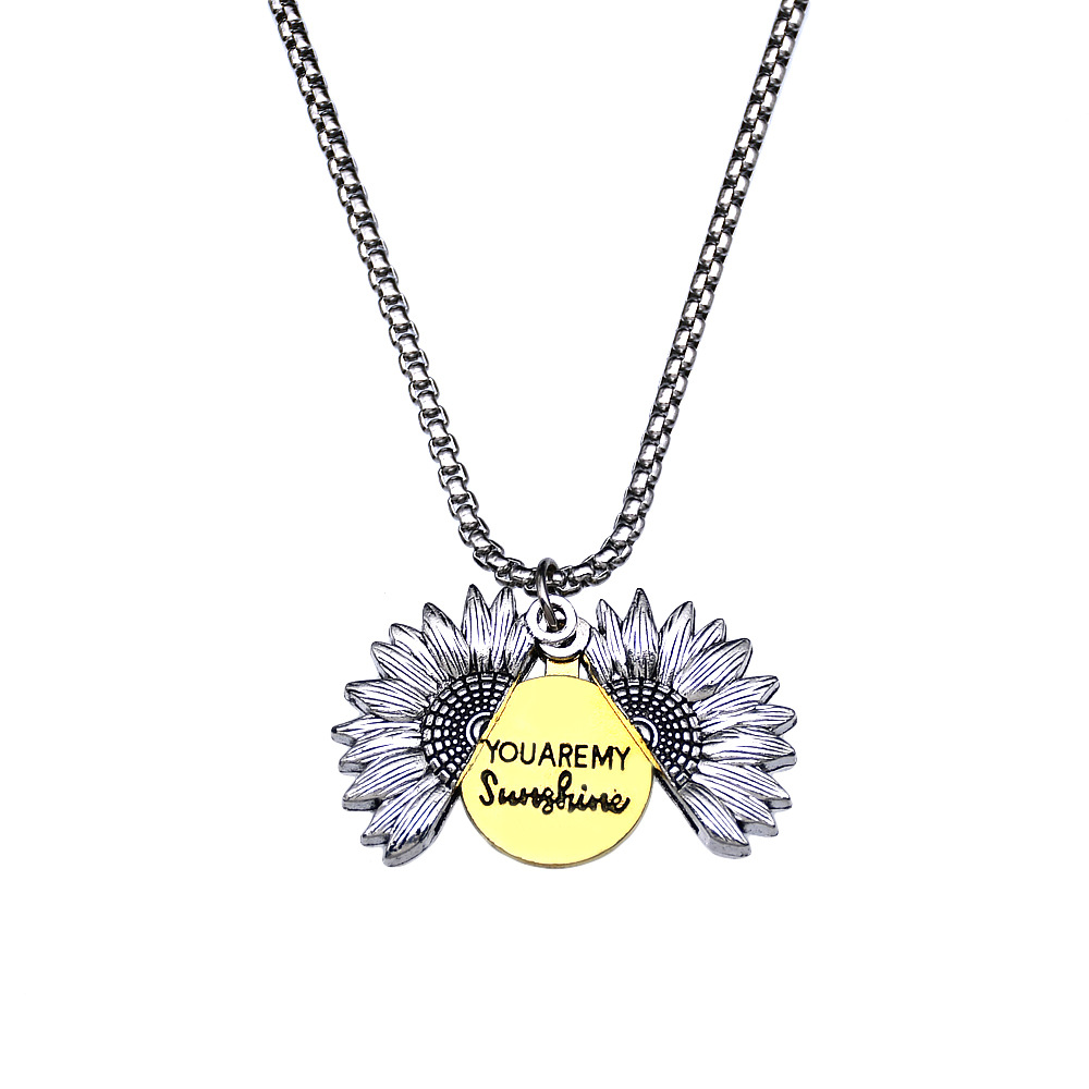Trendy Sunflower Pattern Necklace for Casual Attire