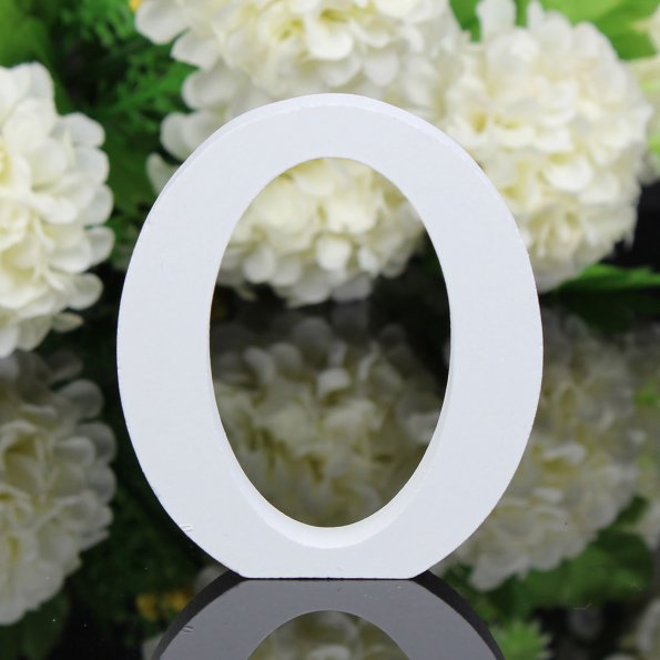 Plain White Wooden English Alphabet Ornaments for Photoshoots and Home Decoration
