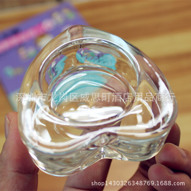 Simple Glass Heart-Shaped Candle Holder for Minimalist Rooms