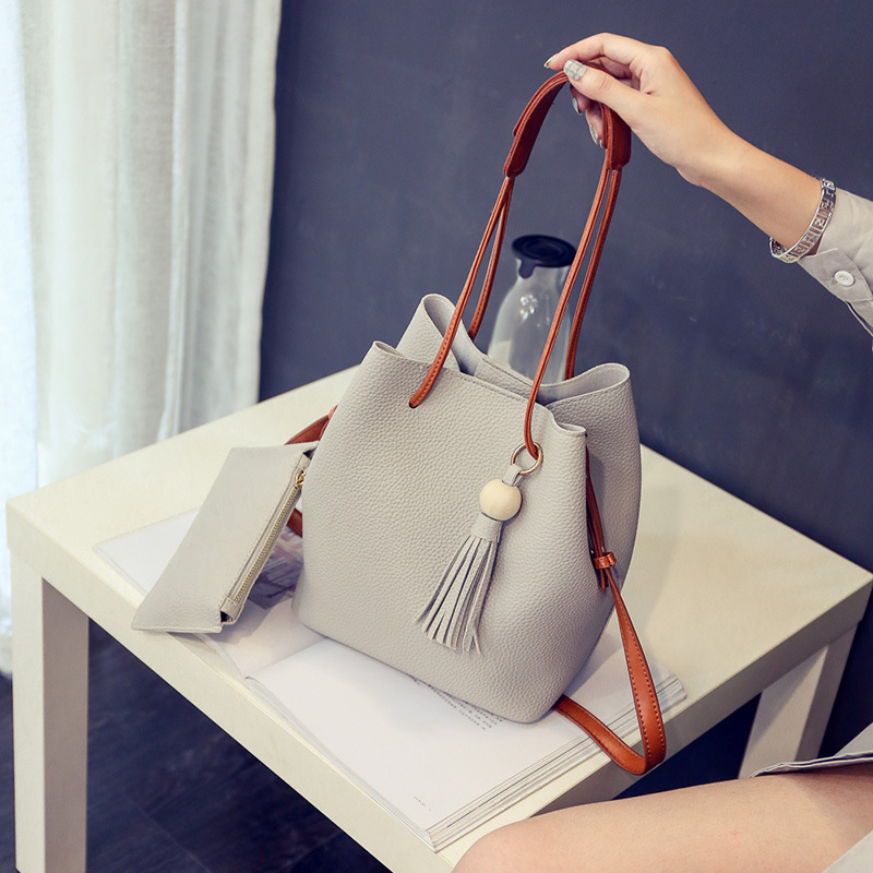 Mere Small Size Bucket Bag with Wristlet for Autumn Outfits