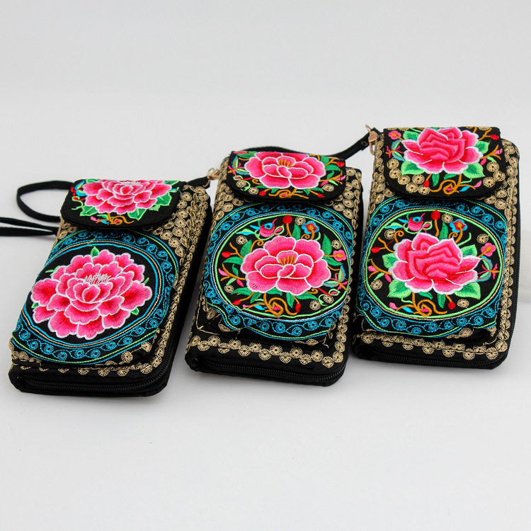 Boho-Style Mobile Purse for Keeping Your Phone Secure