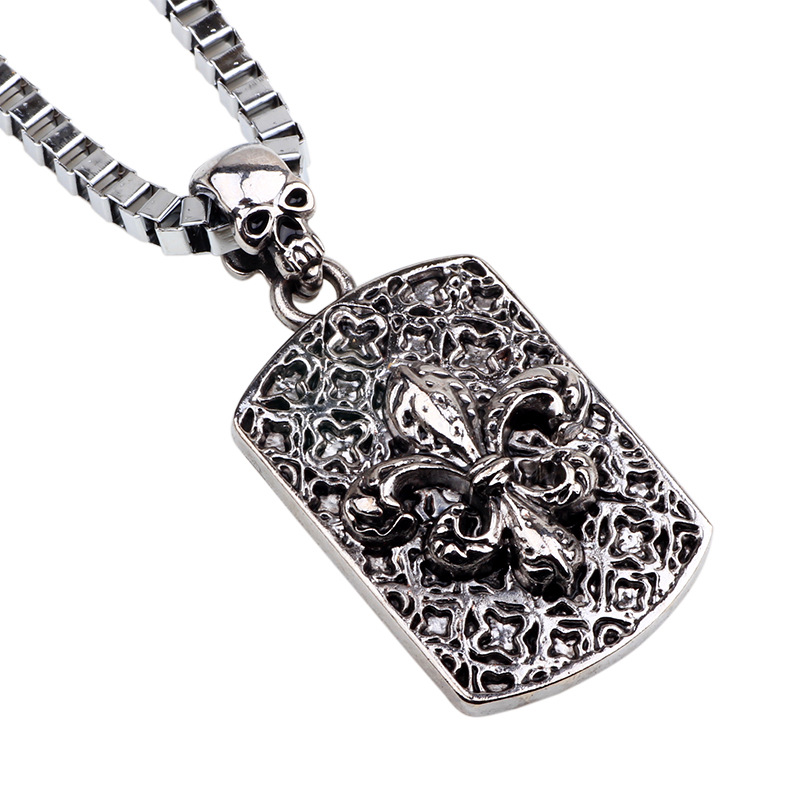 French Romantic Flower Necklace for Men's Fashionable Hip-Hop Style