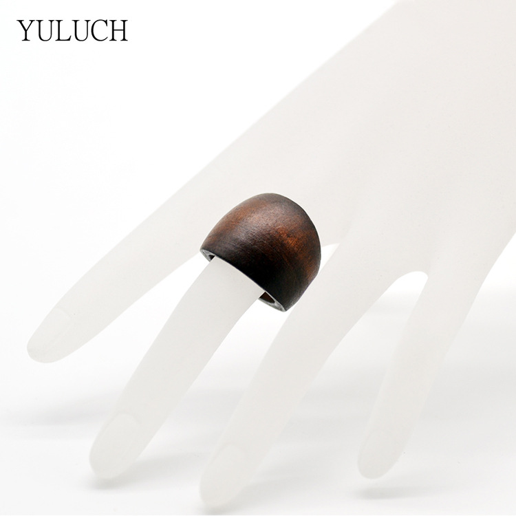 Fashionable Wooden Ring for Beach Accessories