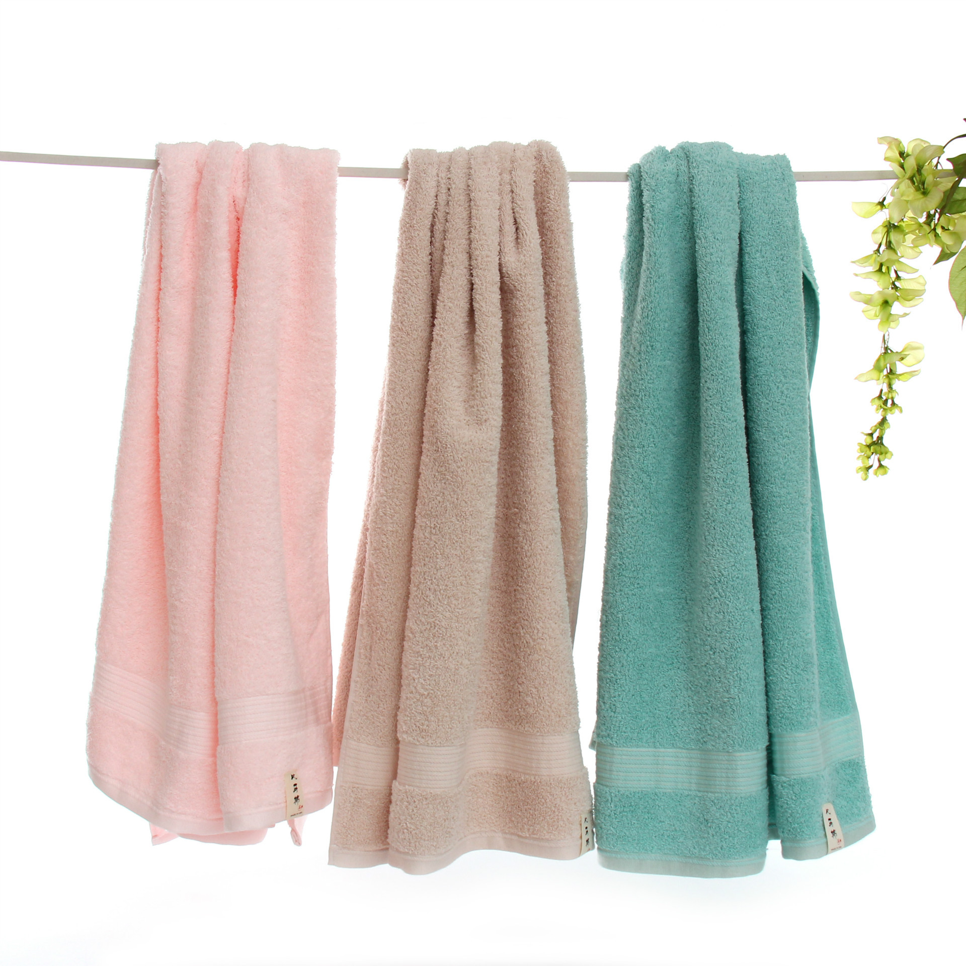 Clean and Classy Bath Towel for Daily Use