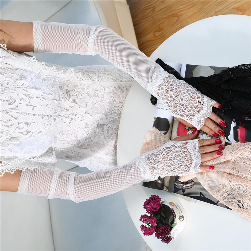Dashing Mesh Bridal Gloves with Pearl Detailing for Wedding Use