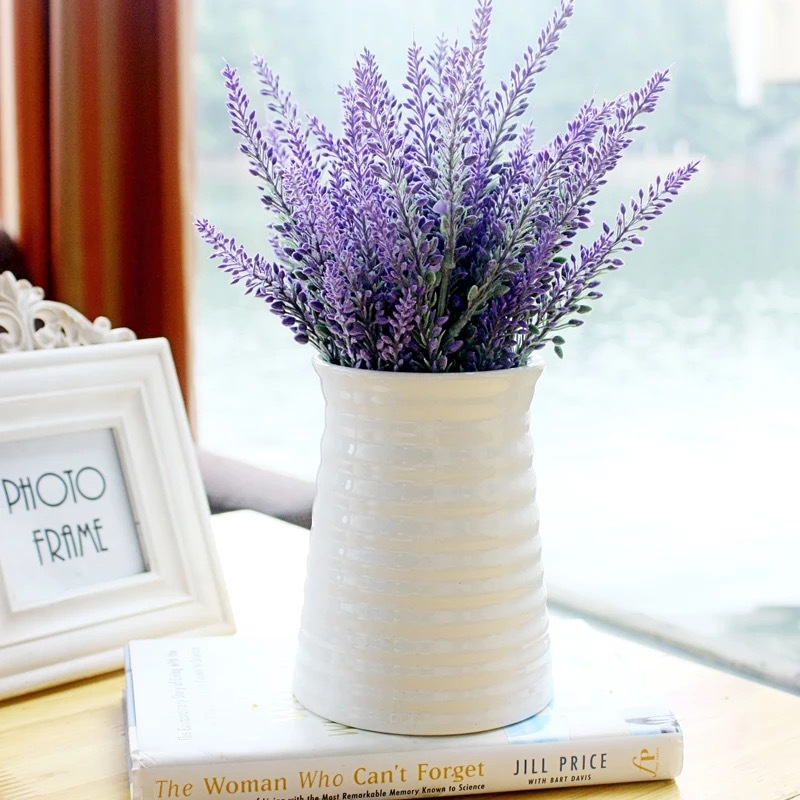 Minimalist Horizontal Ribbed Plastic Vase for Artificial Flowers