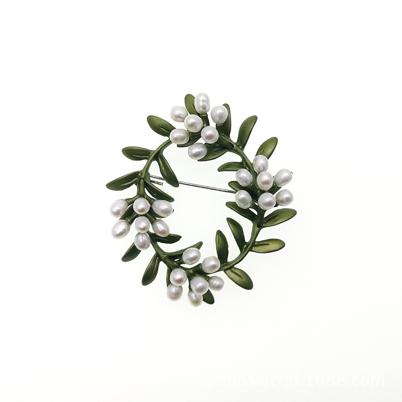 Alloy and Faux Pearl Wreath Brooch