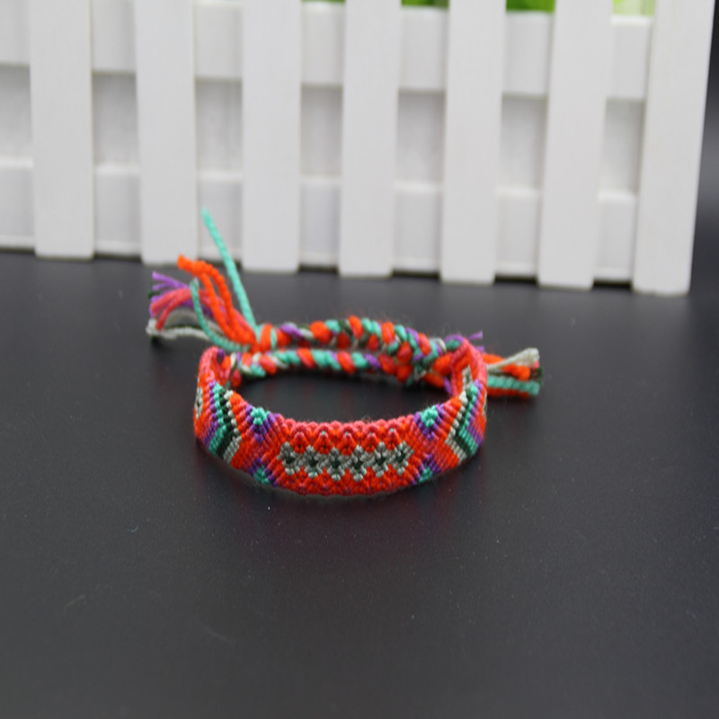 Vibrant Patterns Braided Bracelet for Accentuating Everyday Outfits