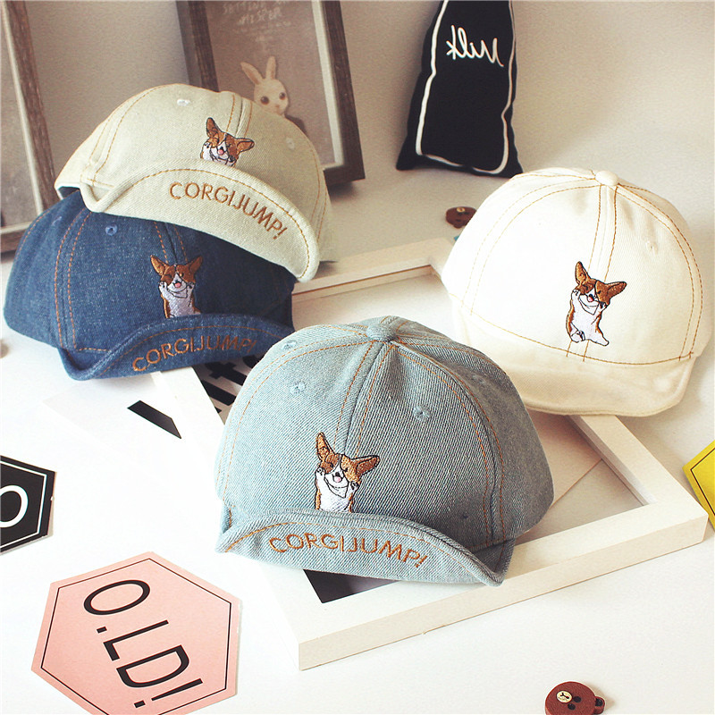 Aesthetic Baseball Cap with Minimal Design for Kids' Everyday Casual Wear