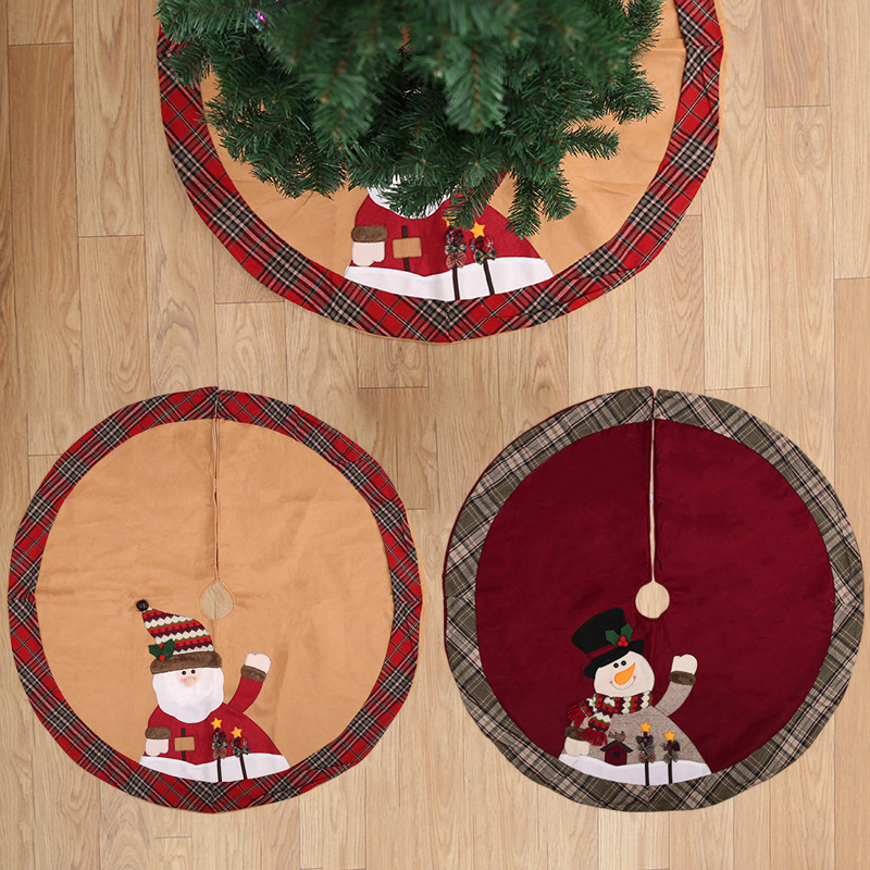 Appealing Embroidered Linen and Flannel Christmas Tree Skirt for Creative Christmas Decors