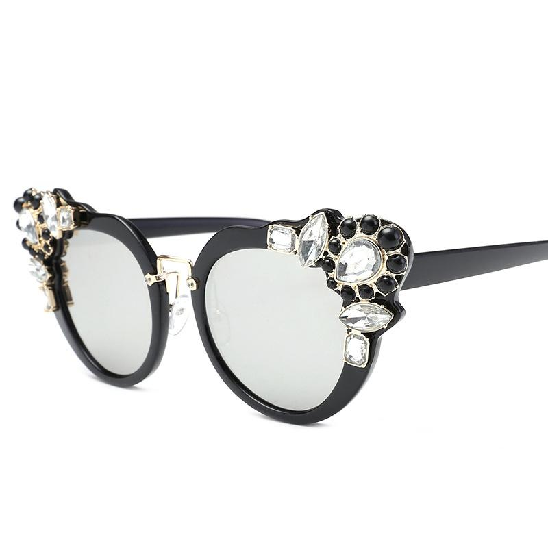 Embedded Gemstones Frame Sunglasses