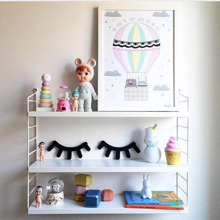 Cute Cartoon Eyelashes Adhesive Wall Sticker for Room Decoration