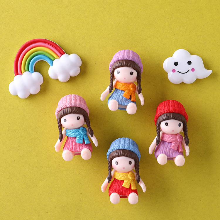 Cute Small Magnetic Doll for Refrigerator Door Display