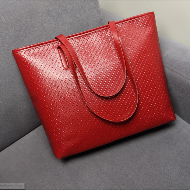 Patterned Amanda Tote Bag for an Easy Carryall Bag