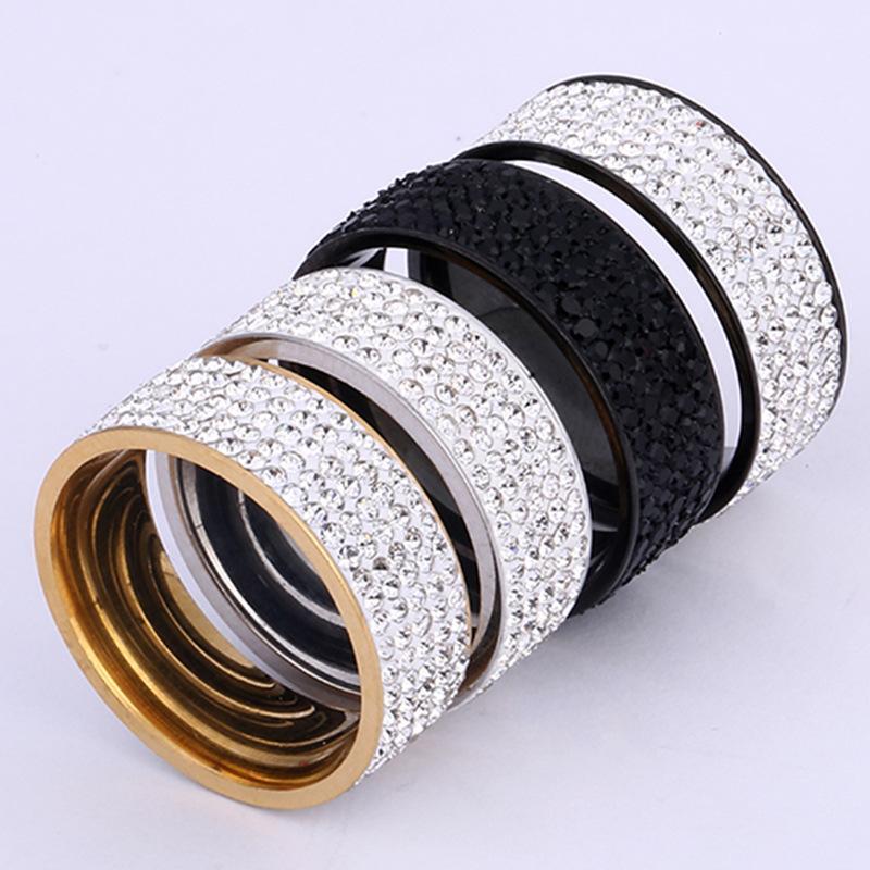 Five Rows of Zircon Couple Rings