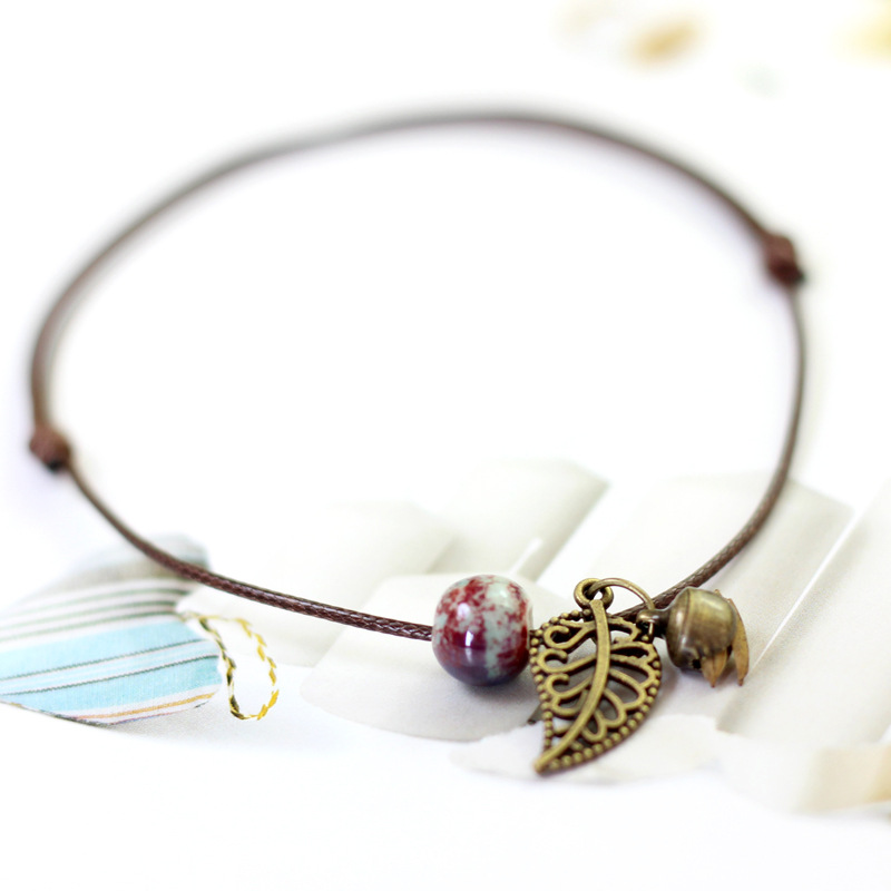 Distressed Bead Leaf Pendant Anklet for Boho Chic Look