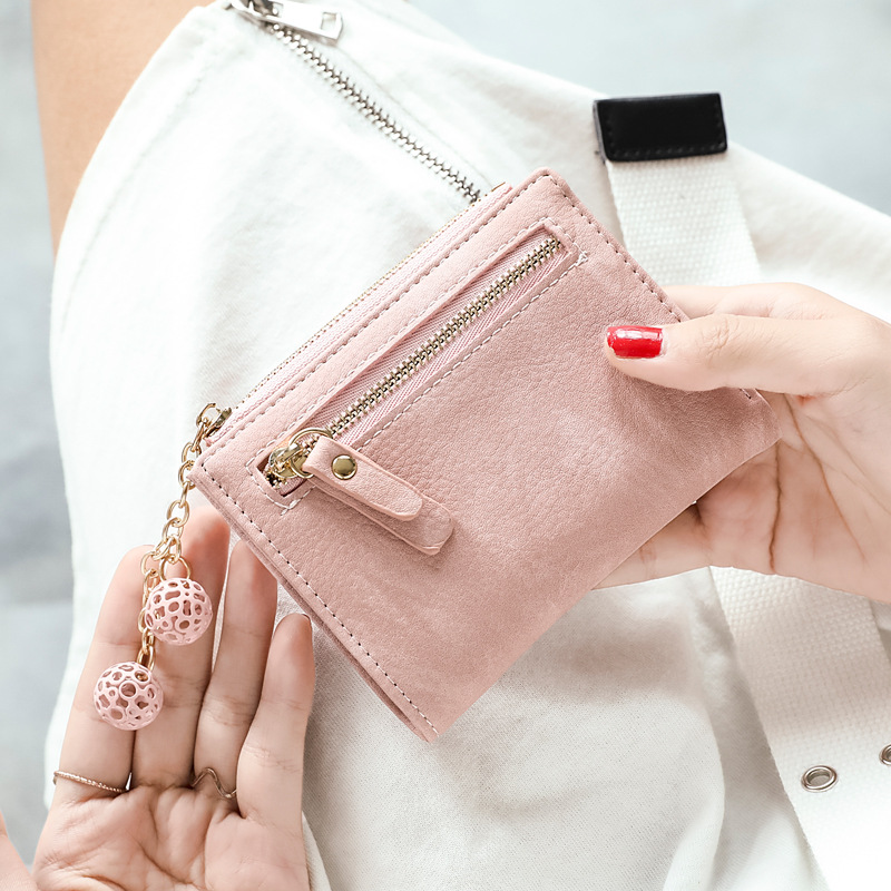 Multifunctional Zippered Folding Wallet for Casual Dates