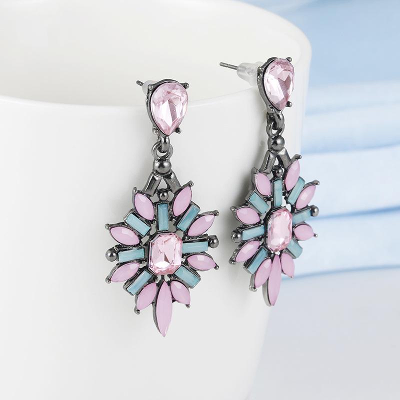 Lovely Artificial Gemstones Earrings for Spring Season