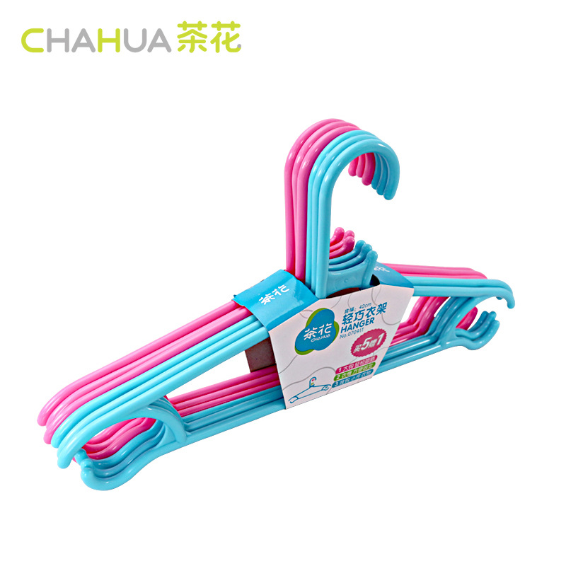 Thick Plastic Non Slip Hanger for Clothes and Pants