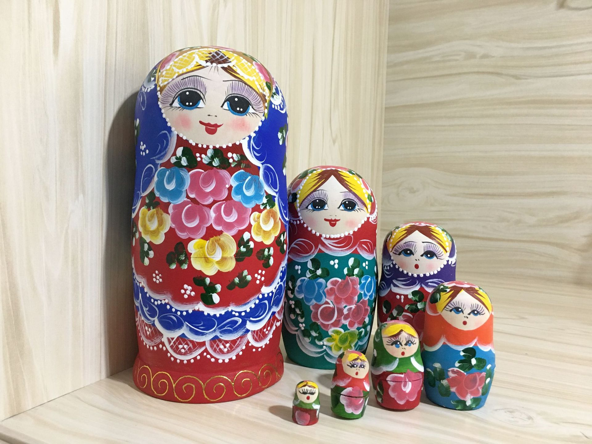 7-Layered Russian Matryoshka Doll for Home Decoration