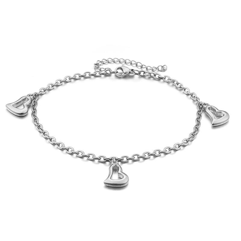 Charming Heart Pendant Charm Bracelet for Everyday Use