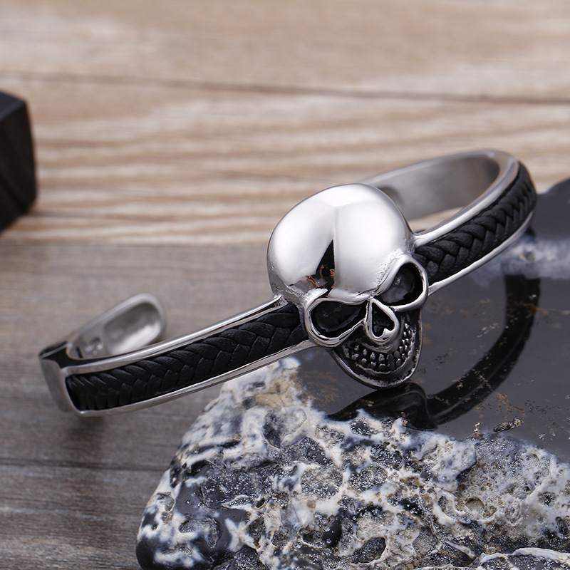 Punk and Goth Style Thin Band Skull Bracelet for Men