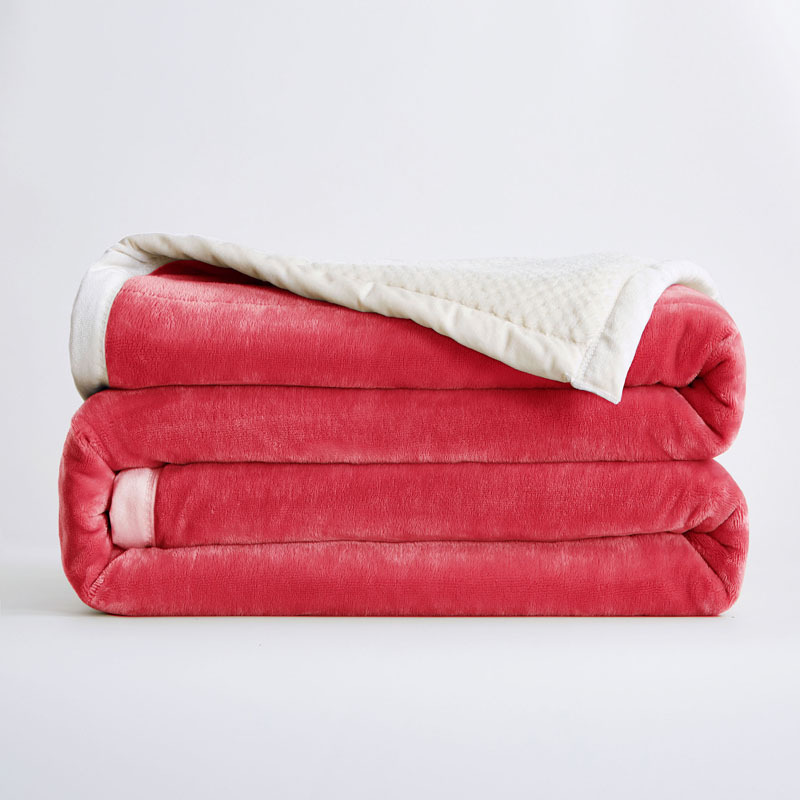 Thick and Classy Polyester Fiber Blanket for Bedrooms