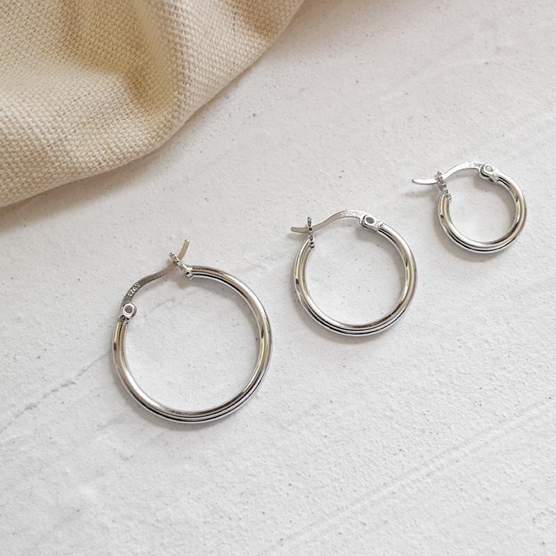 Striking Silver Hoop Earrings for Punk Semblances