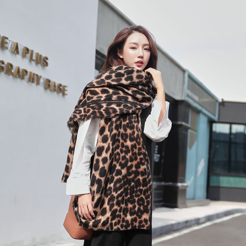 Warming Faux Cashmere Leopard Print Scarves for Classy Ladies and Gentlemen