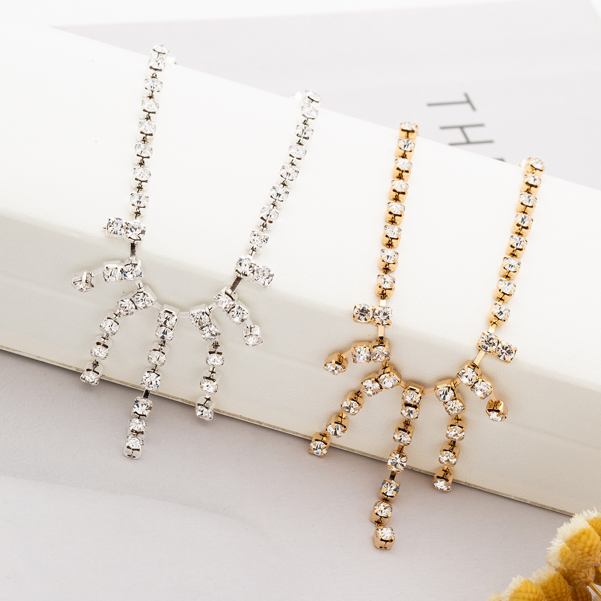 Alluring and Shinny Rhinestone Anklet for Special Occasions and Parties