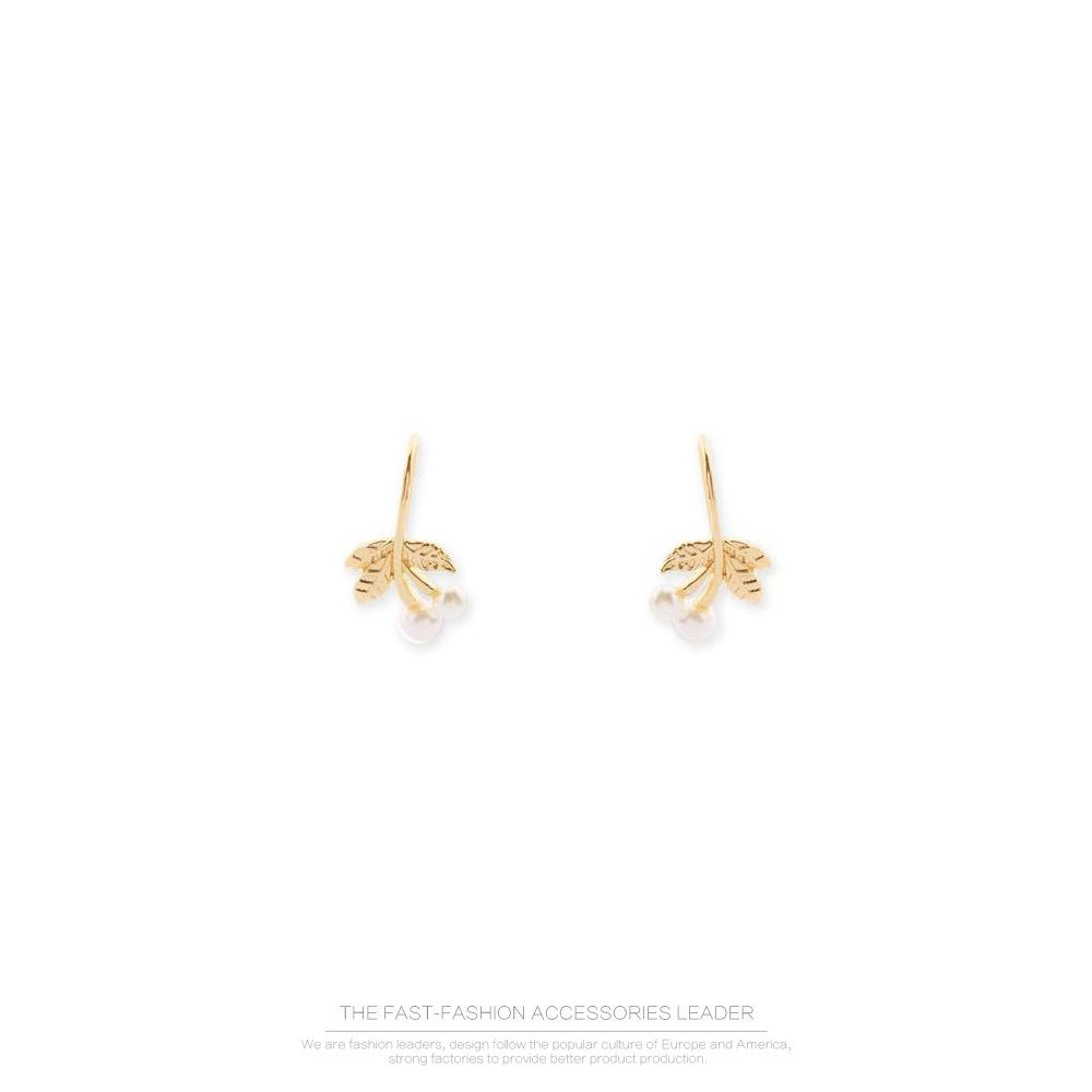 Golden Leaves Pearl Earrings