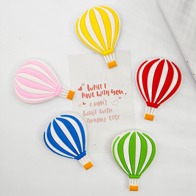 Bright Hot Air Balloon Refrigerator Magnet for Creative Kitchen Trinkets