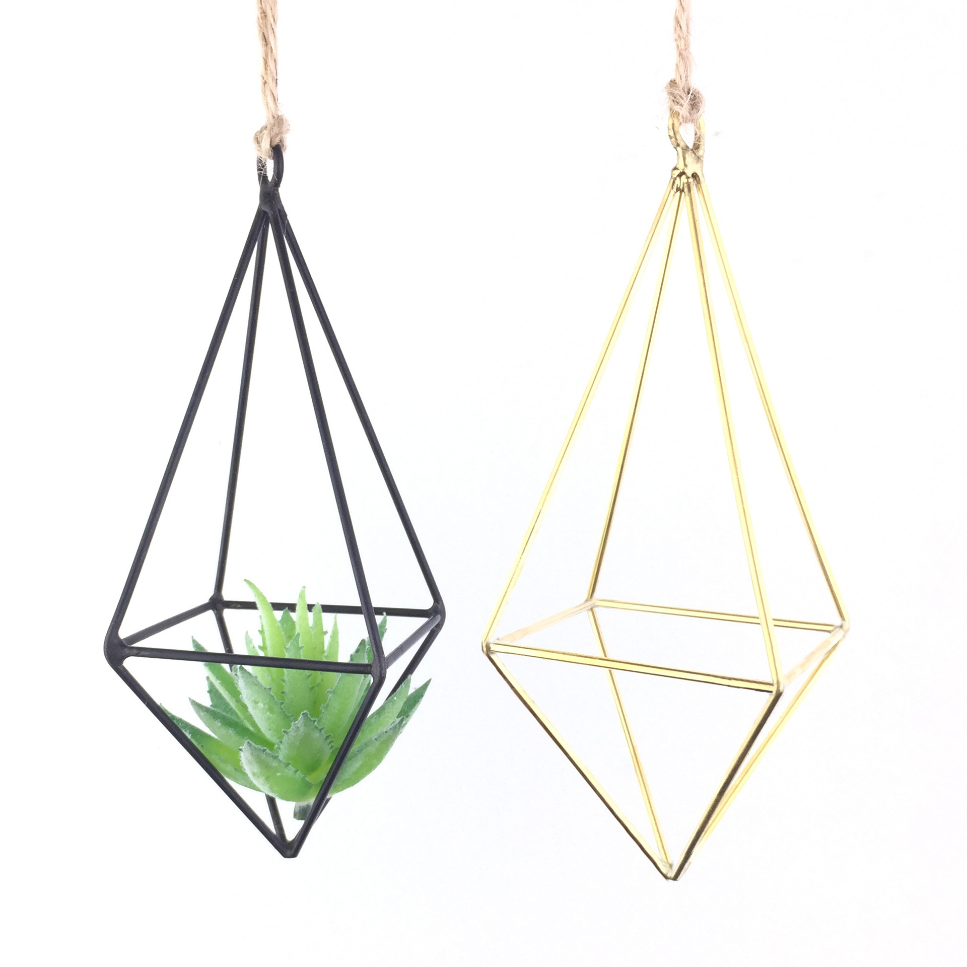 Geometric Diamond Wrought Hanging Iron Frame for Air Plants