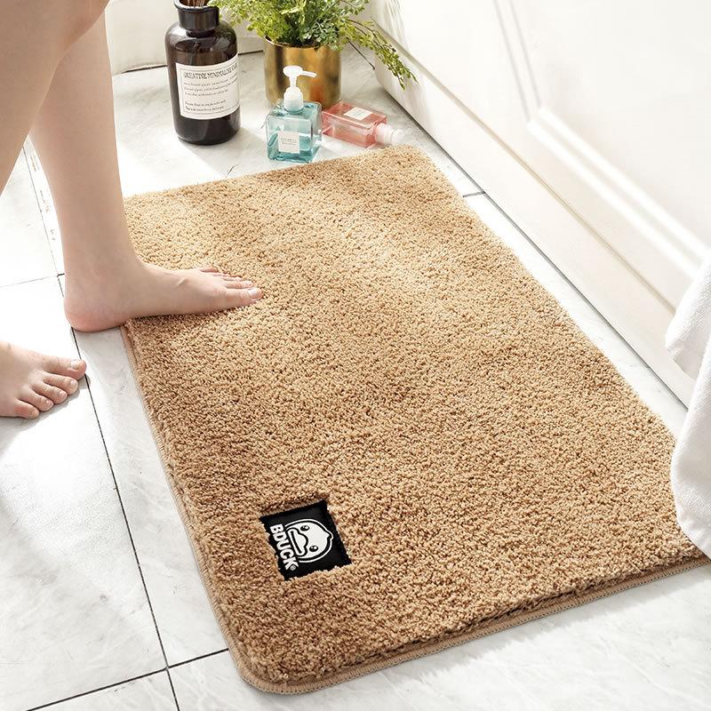 Absorbent Faux Fur Floor Mat for Neat Bathrooms