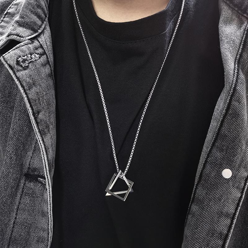 Dazzling Geometric Pendant Chain Necklace for Classy Accessories