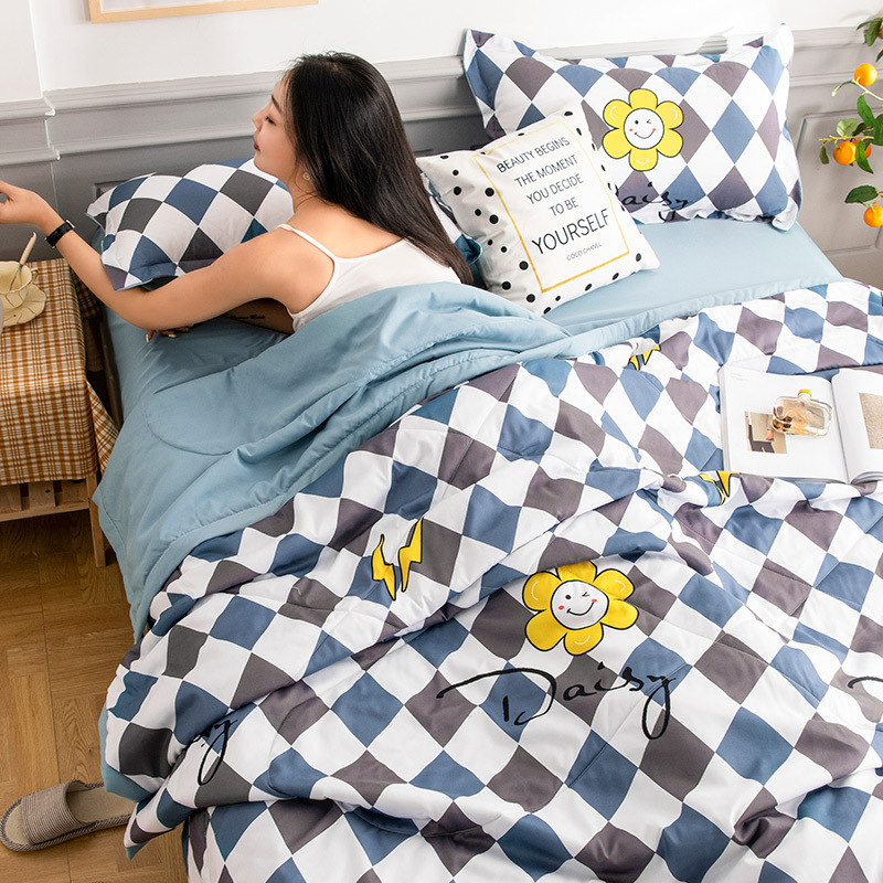 Cute and Cozy Washable Cotton Quilt for Students Dormitory Beddings