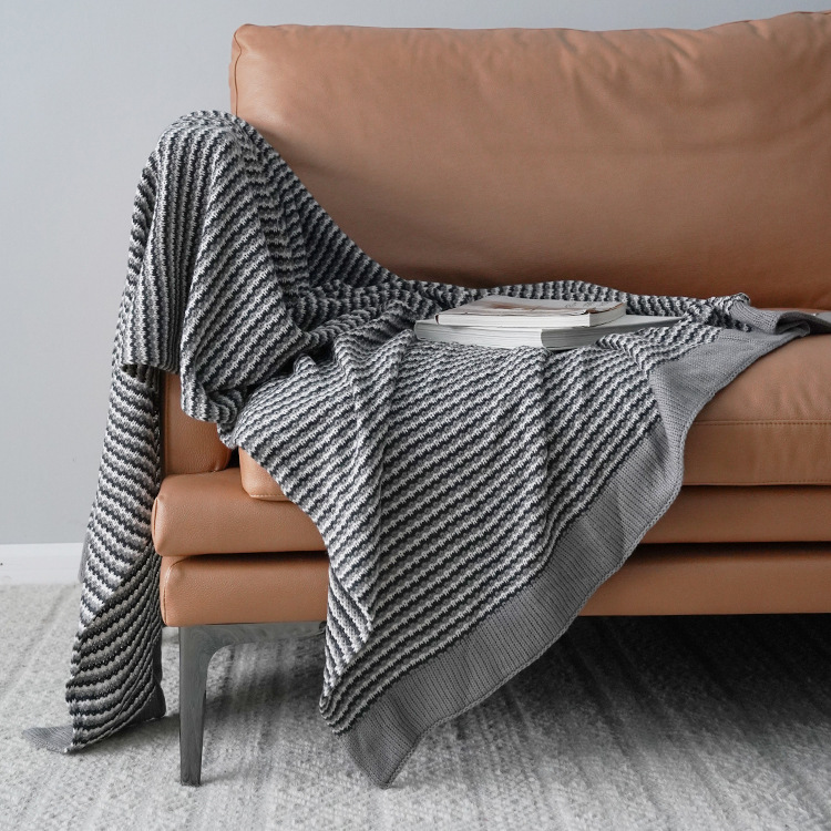 Tweed-Style Knitted Fabric Blanket for Cozy Weather