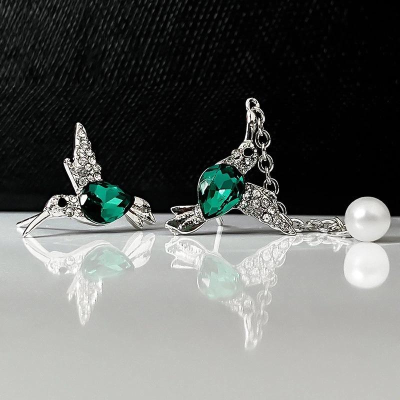 Alluring Diamond Bird Design Stud Earrings for Unique Accessory
