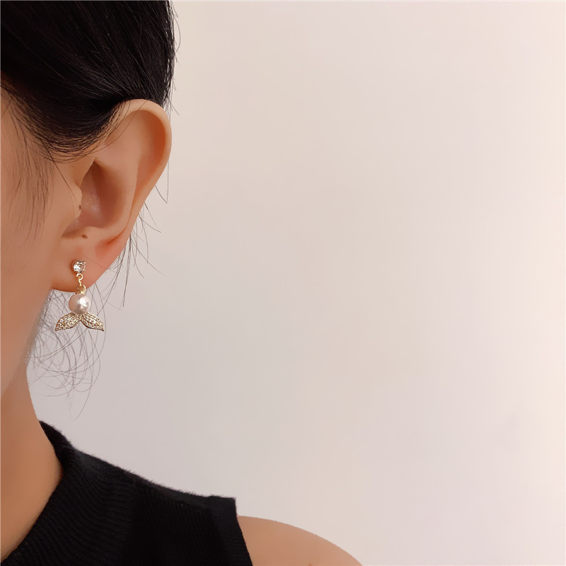 Classy Fishtail Earrings with Faux Pearl for Glamorous Events